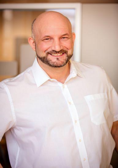 Account Manager | Stefan Lermer